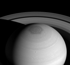 English: Planet Saturn - Hexagon Vortex and Rings